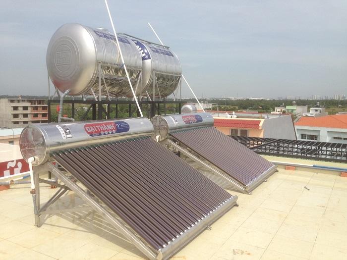 Máy nước nóng năng lượng mặt trời lắp đặt dễ dàng