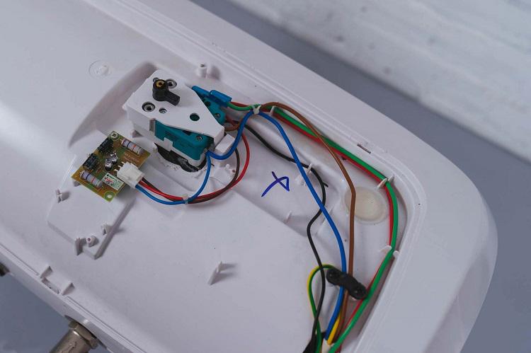 Máy nước nóng không có nước nóng