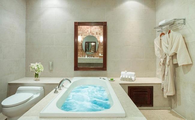 máy nước nóng năng lượng mặt trời cho khách sạn