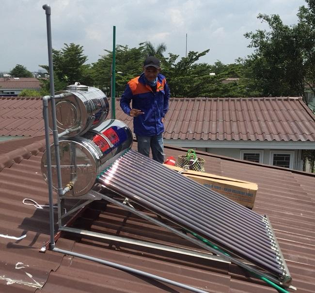 bình nước phụ cho máy nước nóng năng lượng mặt trời 1