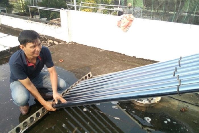 máy nước nóng năng lượng mặt trời có hoạt động khi trời mưa không