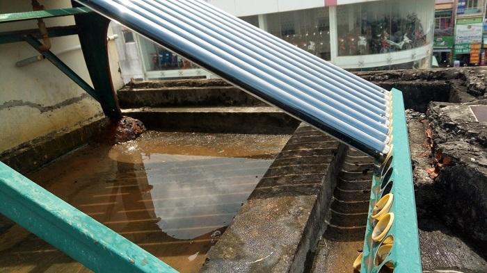 Máy nước nóng năng lượng mặt trời phun nước