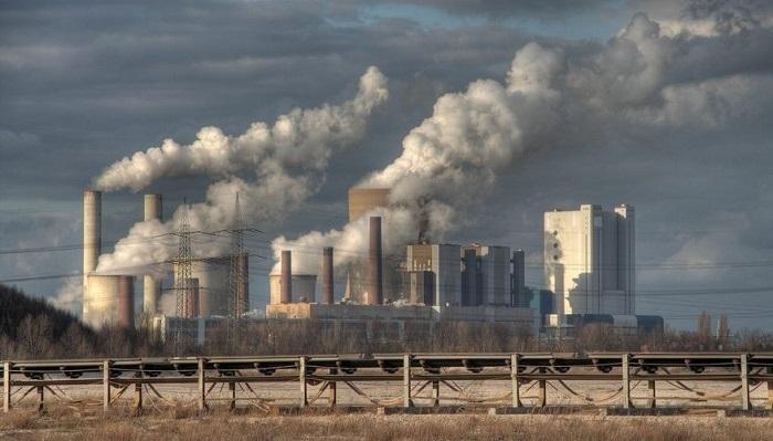 Ô nhiễm nguồn nước do rác thải công nghiệp