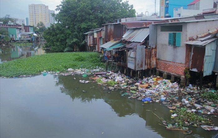 Ô nhiễm nguồn nước tại Thành phố Hồ Chí Minh